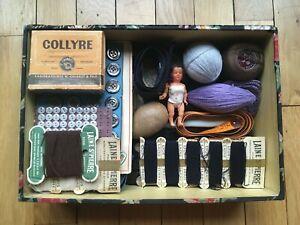 Mercerie ancienne lot boutons dentelle poupée boîte couture ouvrages de dames