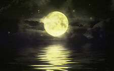Lámina-Full Moon brillante sobre el océano (Foto Afiche Arte Tierra)