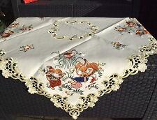Tischdecke Ostern 85x85cm Mittel Decke gelb Hasen Blumen Loch Muster gestickt
