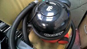 HENRY VACUUM CLEANER  - (UST1)