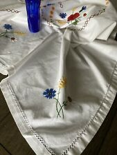 Vintage Floral Embroidered Tablecloth 98x60🌹