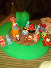 The Night Garden Ninky Nonk In Train Set con pista Makka Pakka Upsy Daisy Juguete