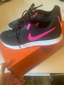 Nike Flex Experience RN 5 Womens  Running Shoes - Size 9w Black/pink