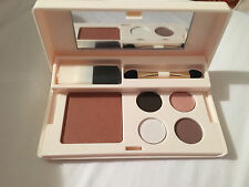 Elizabeth Arden travel makeup kit blush and eyeshadow quad with brushes NEW