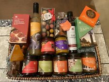 NATIONAL TRUST CHRISTMAS GIFT FOOD HAMPER JAM CHUTNEY CHOCOLATE BISCUITS ETC