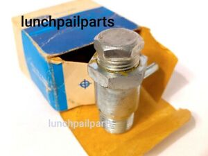 NOS 68 69 Ford Mustang Mach 1 Cougar XR7 Shelby GT350 351W Windsor Vacuum Port