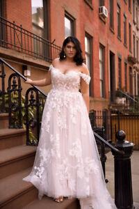 Blush/Pink Off The Shoulder Plus Size Wedding Dress Lace Appliques Bridal Gown