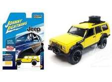 Johnny Lightning 1:64 Classic Gold Jeep Cherokee XJ Yellow Diecast Car JLCP7046