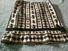 Nannete Lepore Black&Creme Raised Flowered Skirt Sz 0 With Slits Beautiful
