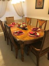 Traditional Dining Room Set with Table, 6 chairs and 2 leafs also includes Hutch