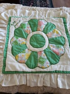 1 Vtg Quilted Patchwork 13X14 Pillow Sham Cover Floral Dresden Plate Green White
