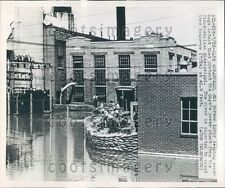 1951 Workmen Sandbags Protect Power Plant From Flood Cape Girardeau Press Photo