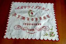 FEINST BESTICKTES SAMMLER ABC MUSTERTUCH 1912 MM 21x18 CM