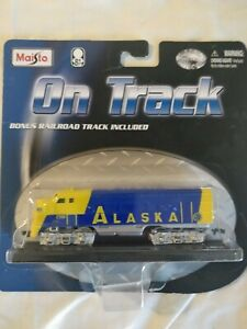 "MAISTO On Track ""ALASKA RAILROAD"" Locomotive DIE-CAST"
