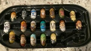 2010 STAR WARS MIGHTY BEANZ DARTH VADER CASE WITH 28 STAR WARS MIGHTY BEANS