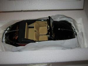 1:18 VW 1200 CABRIOLET HEBMUELLER rot/s - 1949 -  MINICHAMPS 107054230 OVP NEW