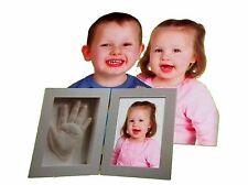 die ideale Baby Deko und das beste Babyparty Geschenk Gr/ö/ße 30 x 36 CM #7 Bilderrahmen Baby 3D Handabdruck und Fu/ßabdruck Personalisierter Bilderrahmen aus Holz mit Ungiftigem Lehm Andenken Set