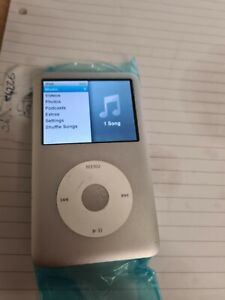 Apple iPod Classic 6th Generation 80 GB - silver