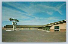 Vintage PostcardBarbara Ann Motel Wakeeney KS Exterior a6
