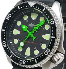 Vintage mens watch diver Seiko 7002 Quartz FISH BONE mod •Black SHARK TOOTH dial