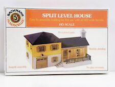 "Bachmann Ho U/A ""Split Level House"" Plastic Model Kit"