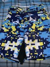 Mma Shorts Mens Sz 34 Pixelated Yellow and Blue