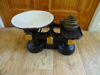 VINTAGE CAST IRON WEIGHING BALANCE SCALES WITH WHITE ENAMEL BOWL & 7 WEIGHTS