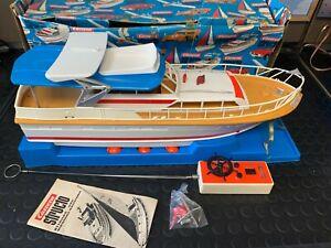 Vintage RC Boat CARRERA STRUCTO 90450 Motor Yacht Amaro 4 channels