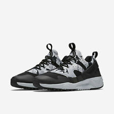 pretty nice 0cbd2 13ce7 Nike MEN S Air Huarache Utility SIZE 10.5 BRAND NEW Black Grey Camo  Camouflage