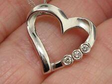 BEAUTIFUL 10K SOLID WHITE GOLD DIAMOND HEART PENDANT NECKLACE!