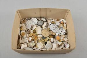 g95t37- Konvolut Uhrmacher Ersatzteile, Zifferblätter für Armband-, Taschenuhren