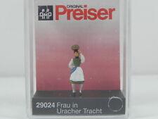 Preiser 29024 H0 Frau in Uracher Tracht