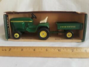 Vintage rare mint condition the John Deere lawn and garden set