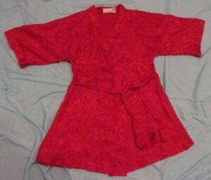 EUC Women's Frederick's of Hollywood Red Satin Kimono Style Robe  s/ Med