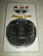 VINTAGE 4 IN 1 SMALL MOUSE TRAP NEW IN PACKAGES 4 HOLES
