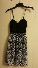 MRSP $48 NWT Three Pink Hearts Juniors Black/White Lined top Sexy Strappy Sz S