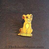 Disney The Lion King Young Simba Sitting Pin (UZ:1082)