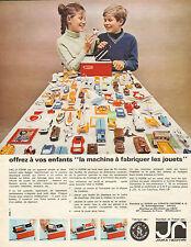 """Publicité Advertising 1965  VAC U FORM """"la machine à fabriquer les jouets"""""""