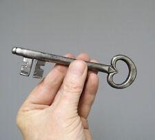 Ancienne clé. Clef. Fer forgé. Old key. Schlüssel.