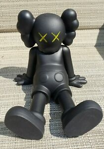 """KAWS:HOLIDAY Companion Vinyl Toy Figure (Black) 7"""" NEW in Package"""