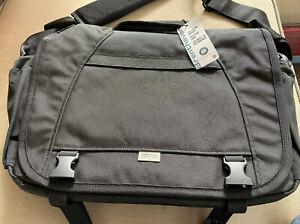 730791540217 Brentley Black Messenger Bag Brenthaven Old School Softpacks BLI