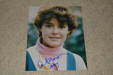 AMANDA BEARSE  signed autograph In Person 8x10 (20x25 cm) FRIGHT NIGHT