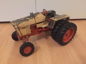 Vintage CASE 1070 Toy Die cast Tractor Dual Wheels Weight About 4 Pounds