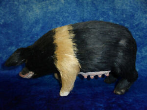 Model PIG / SOW Ornament with realistic fur! Farmyard animal, Country garden