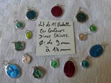 destock lot de 15 medaille couleur  divers Saints  creation bijoux  COLOR MEDALS