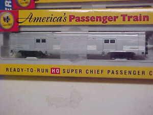 HO,Walthers, Santa Fe Super Chief 73' Baggage car, excellent,