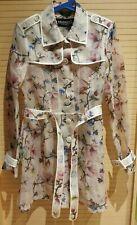 Veste/manteau léger à fleurs forme trench en tissu transparent