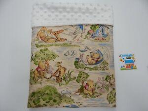 "Baby Blanket Winnie the Pooh Classic 80cm x 60cm (33""x 25"") Minkee Dot Back"