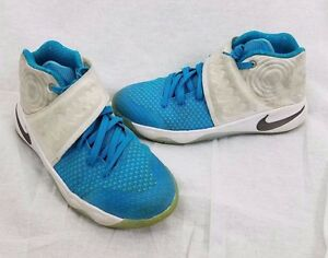 NIKE YOUTH KYRIE 2 XMAS CHRISTMAS COLLECTION Kids 5.5Y 826496 144 White Obsidian