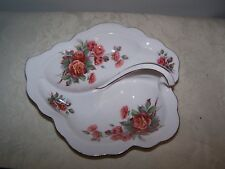 ROYAL ALBERT CENTENNIAL ROSE BONE CHINA ENGLAND LEAF CANDY / CONDIMENT DISH